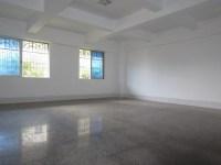新罗区西安路东亚商城三房出售