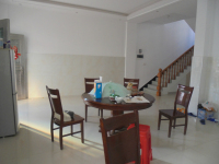上饶县信美路信美家园8房3厅简单装修出售