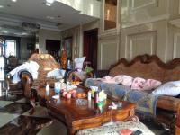 信州区庆丰路中东凯旋门5房2厅高档装修出售