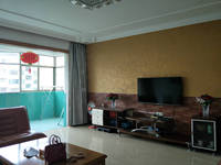 信州区志敏大道世纪花园4房2厅简单装修出售