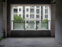 信州区三清山大道和锦园3房2厅毛坯出售