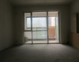 名尚城市广场2楼两室两厅两卫带储藏室带平台小院75万可贷款