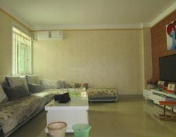 金石苑一楼105平精装两室 婚房急售