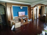 经区皇冠金海湾花园4房2厅高档装修出租