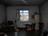 卫滨化工路化肥厂家属院3房1厅简单装修出售
