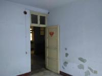 红旗平原路市建行住宅楼  3房1厅简单装修出售