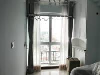 卫滨华兰大道天鹅第一城1房1厅中档装修出售