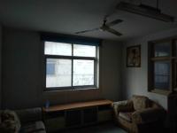 红旗和平大道纺织厂家属院3房1厅出售