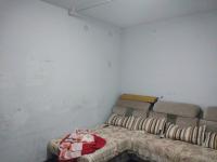 红旗化工路新文小区一期2房2厅简单装修出售