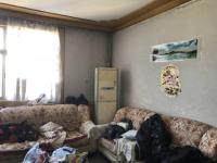 卫滨胜利中街粮食局家属院3房2厅简单装修出售