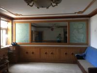 卫滨解放大道化轻公司家属院3房2厅中档装修出售