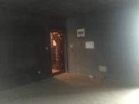 红旗新中大道华隆国际3房2厅毛坯出售