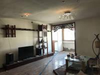 卫滨华兰大道梦萦小区西区2房2厅简单装修出售