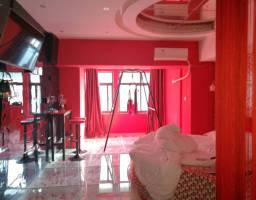 红旗金穗大道宝龙钻石公寓1房1厅毛坯出售