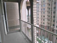 开发区新二街新华园3房2厅毛坯出售
