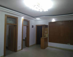 红旗化工路国税局家属院房厅出售