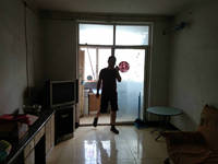 红旗向阳路向阳新村冬区房厅出售