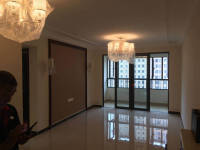 东城区南海路恒大翡翠华庭三室精装修 出售
