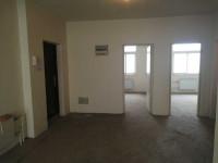 魏都区八一路河湾新家园三室出售