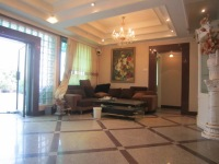 槟榔路联谊广场四房出售