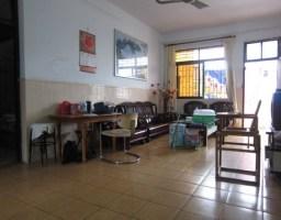 惠东县平山松岭路一小宿舍4房1厅简单装修出售