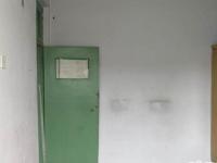 文峰东大街中医院家属楼房厅出售