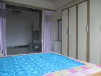 昆都仑区长青道友谊二十六2房1厅简单装修出售
