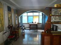 解放区解放中路工商银行家属楼房厅出售