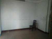 解放区新华中街房管局改建楼房厅出售