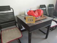 解放区新华南街食品公司家属院房厅出售