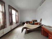 温县黄河路东段武园街小院8房2厅简单装修出售