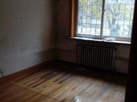 新抚台东花园一室一厅出租850 一楼带院