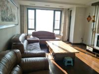 顺城区临江路河畔嘉园3房2厅中档装修出售