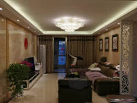 淇滨卫河路中鹤国际3房2厅高档装修出售
