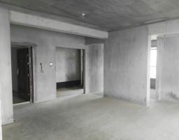 咸安滨河西街中央城4房2厅毛坯出售