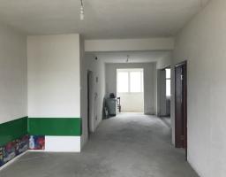咸安玉泉街景泰花园3房2厅毛坯出售