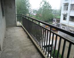 咸安河堤西路双龙社区房厅出售