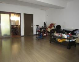 青秀民族大道西区民委3房2厅中档装修出售