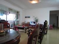 惠东县平山新峰苑4房2厅简单装修出售