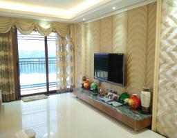 惠东县平山中航城4房2厅高档装修出售(包车位)