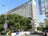 惠东县平山万事达酒店附近店面4间6层出售(国土176.72平方)