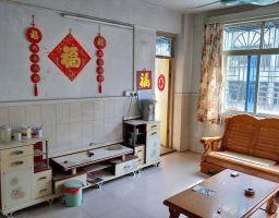 惠东县平山四小附近学位房4房2厅中档装修出售