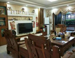 惠东县平山碧玉豪庭4房2厅精装修出售