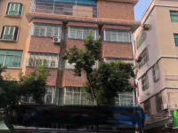惠东县平山建设路门面2间5层精装修出售
