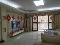 惠东县平山碧桂小区4房2厅精装修出售