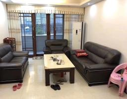 惠东县平山县政府屯场宿舍区(3+1)房2厅中档装修出售