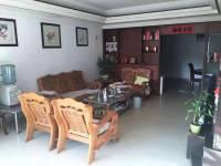 惠东县平山金坤苑3房2厅中档装修出售
