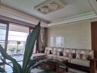 惠东县平山锦江豪庭(3+1)房2厅精装修出售(实用136平方)