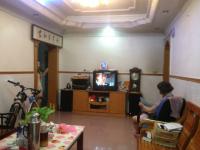 惠东县平山县政府宿舍4房2厅简单装修出售