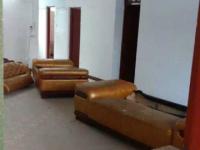 惠东县平山中行宿舍4房2厅简单装修出售